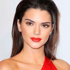 Kendall-Jenner-Red-Lipstick-Dress