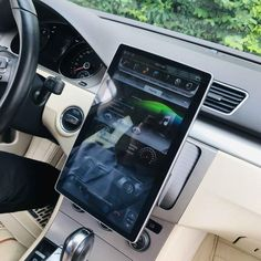 Cars Discover Six-core Universal double din head unit 100 Rotation Screen Android Navigation Radio Radios, Tesla Motors, Android Radio, Android 9, Android Navigation, Touch Screen Car Stereo, Passat B6, Custom Car Interior, Cute Car Accessories