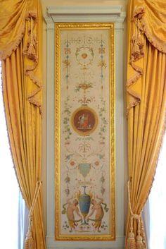 L'Hotel de Saint-Florentin (noto anche come Hotel de La o Hotel de . Wall Painting Decor, Wall Decor, Arabesque, O Hotel, Georgian Homes, Victorian Architecture, Antique Decor, Classic Interior, Wall Art Designs