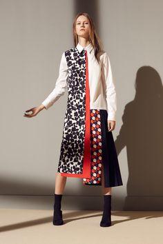 Victoria Victoria Beckham Pre-Fall 2016 Fashion Show Fall Fashion 2016, Runway Fashion, High Fashion, Fashion Show, Fashion Design, Victoria Beckham, Pulls, Fashion Prints, Mantel