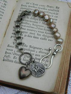 vintage repurposed assemblage jewelry charm bracelet Saint Martin souvenir silver heart  paris eiffel heart atelier paris on etsy