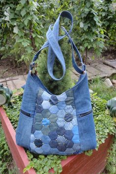 All-purpose Cotton Bags These Beautiful unbleached cotton Potli Bags can be used for a variety of purposes. Denim Handbags, Denim Tote Bags, Denim Purse, Patchwork Bags, Quilted Bag, Patchwork Quilting, Jean Purses, Purses And Bags, Bag Quilt