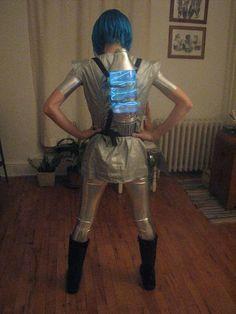 Space Kostüm selber machen | Kostüm Idee zu Karneval, Halloween & Fasching