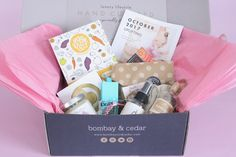 Bombay & Cedar Review October 2017 - an aromatherapy, beauty & lifestyle subscription box featuring full size products including essential oils, diffusers, skincare, books, snacks & other products carefully curated for the discerning woman who lives a life inspired. http://www.ayearofboxes.com/subscription-box-reviews/bombay-cedar-review-october-2017/