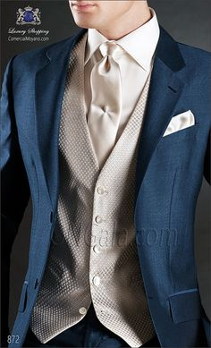 Pure wool mohair royal blue wedding classic suit. Bespoke suit with two buttons, notched lapel and double-vented style.