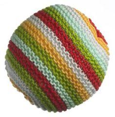 Brug restegarnerne til søde og bløde, strikkede bolde til baby