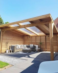 Covered pergola patio ideas with shades and roof for backyards, porches, and decks wood an two panel Garden Room, Garden In The Woods, Garden Seating, Wood Pergola, Modern Garden