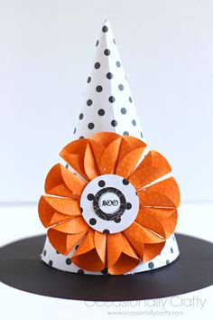 Paper Witch Hat plus Paper Flower Tutorial! Perfect for your Halloween decor or any part hat!  #halloween #homedecor #papercrafts