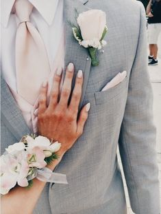 Spring wedding pictures grey and pink