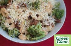 Tuscan Seasoned Broccoli with Sun-Dried Tomatoes and Tortellini Recipe - Create a fancy pasta dish in as much time as it takes to boil water. Tortellini Recipes, Pasta Recipes, Dinner Recipes, Chicken Tortellini, Healthy Cooking, Healthy Eating, Healthy Recipes, Broccoli Chicken, Salads