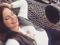 afternoon vibes  #hammocklife #relax #choosehappy #spotify #godisanastronaut #theamityaffliction by @becca.elizabethh