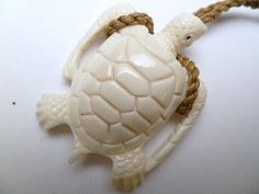 Hawaii Jewelry Turtle Buffalo Bone Carved Pendant Necklace/Choker
