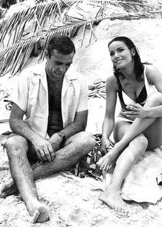 Claudine Auger est Dominique « Domino » Derval (1965) avec Sean Connery - Opération Tonnerre