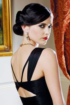 Makeup and hair-Vesper (Eva Green) from Casino Royale This is the perfect coloring for @Amber Leavell