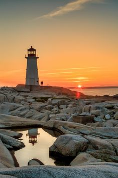 Peggy's Cove Lighthouse - Photography, Landscape photography, Photography tips Sea Photography, Landscape Photography, All Nature, Amazing Nature, Lighthouse Pictures, Nova Scotia, Scenery, Sunset Love, Ocean Sunset
