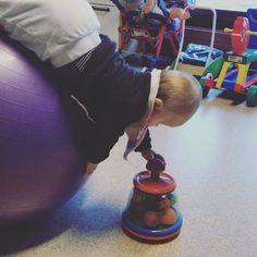 upuce a du faire la physio 6 mois a cause d'une dystosie de l'epaule à la naissance.  Maintenant elle a complètement récupéré. Et vous? Pono, Baby Gym, Home Appliances, Instagram, 6 Months, Birth, House Appliances, Appliances, Play Gym