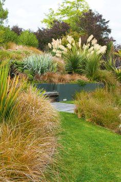 Gardens Nz New Zealand ` Gardens Nz - Modern Beach Gardens, Outdoor Gardens, Australian Garden Design, California Native Plants, Hillside Landscaping, Landscaping Ideas, Meadow Garden, Garden Shrubs, Garden Landscape Design