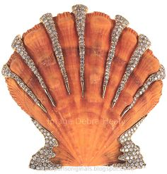 Millicent Roger's  shell and diamond brooch by Verdura, 1940.
