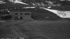 Foto Bollettino Neve Stubaier Gletscher: http://www.bollettinoneve.net/bollettino-neve-stubaier-gletscher.html Bollettino neve Tirolo #neve #montagna #snowboard #snow #mountain #sciare #inverno #ski #skislope #skier #skiing #winter #alpi #alps #appennini alps | italy | ski chalet | snowboarding | heritage site | Snow Style | Snow photography | Snow Falls | mountain photography | snowy mountains | mountain photography | Mountains and snow | snow mountain | mountaineering | trekking | Ski…