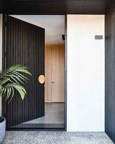 Modern Entrance Door, House Entrance, Entrance Doors, Doorway, Modern Exterior, Exterior Design, Interior And Exterior, Contemporary Front Doors, Front Door Design
