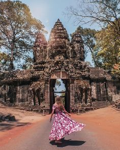 Angkor Thom with Patricia & Michael, cambodia, camboya and siemreap Couple Photography, Travel Photography, Purpose Of Travel, South Gate, Cambodia Travel, Photography Challenge, Khmer Empire, Hawaii Travel, Greece Travel