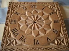 Wood Carving Patterns, Wood Carving Art, Carving Designs, Wood Art, Yarn Crafts, Wood Crafts, Chip Carving, Raku Pottery, Wood Clocks