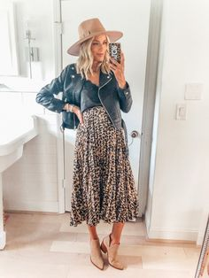 What I purchased From The Nordstrom Anniversary Sale - Little Blonde Book by Taylor Morgan Cute Maternity Outfits, Stylish Maternity, Pregnancy Outfits, Maternity Wear, Pregnancy Fashion Dresses, Spring Maternity Fashion, Mode Outfits, Skirt Outfits, Fall Outfits