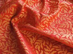 HiEND 100%Silk JARQUARD MINI FOLIAGE Red & Gold Yellow