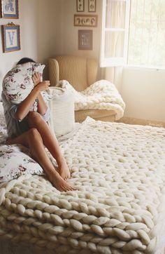 Items similar to Wool blanket super chunky XXL of Spanish Merina sheep. merino wool on Etsy Knitted Blankets, Merino Wool Blanket, Manta Crochet, Crochet Instructions, Chunky Yarn, Loom Knitting, Knitting Projects, Home Deco, Interior Styling