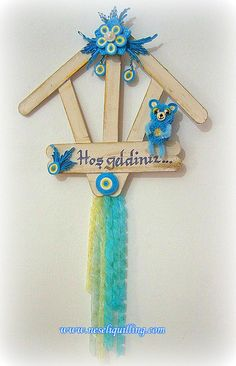 for door for door Ice Lolly Stick Crafts, Ice Cream Stick Craft, Popsicle Stick Art, Popsicle Stick Snowflake, Popsicle Stick Crafts, Craft Stick Crafts, Handmade Crafts, Diy And Crafts, Crafts For Kids