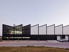 ATELIER ARS° diseña un edificio tipo industrial en México