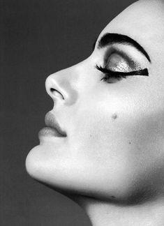 Natalie Portman :: Photoshoot for Vanity Fair ( by Mert Alas & Marcus Pigott )