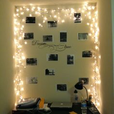 Bulletin board surrounded with twinkle lights and black and white words and photos College Bulletin Boards, Christmas Bulletin Boards, Tumblr Bedroom, Tumblr Rooms, Fairy Lights On Wall, Room Planning, College Apartments, Twinkle Lights, Bedroom Wall