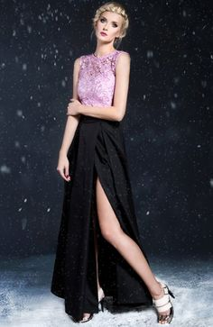 Monika Natora 284 sukienka czarno-różowa Zjawiskowa sukienka, długość maksi, góra dopasowana wykonana z pięknej koronkowej gipury, fason subtelnie odsłania ramiona
