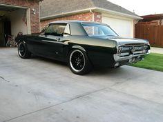 Black mustang w/ black wheels Ford Mustang 1965, Mustang Cars, Cj Jeep, Vintage Mustang, Classic Mustang, Car Goals, Hot Rides, American Muscle Cars, Hot Cars