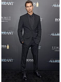 No, Ansel Elgort Did Not Wear a Towel to 'The Divergent Series: Allegiant'…
