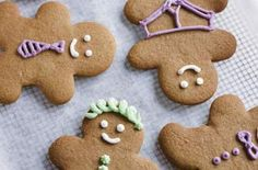 The Hummingbird Bakery gingerbread men You don't have to use a gingerbread man cutter with this Hummingbird Bakery recipe, but it's so much fun to decorate each one individually! Leaving the dough to rest overnight makes the cookies better Bbc Good Food Recipes, Baking Recipes, Gingerbread Man, Gingerbread Cookies, Hummingbird Bakery Recipes, White Food Coloring, Homemade Christmas Presents, Biscuit Cookies, Cookie Tray