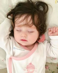 Cute Little Baby Girl, Pretty Baby, Little Babies, Baby Love, Cute Kids Photos, Cute Baby Girl Pictures, Blonde Girl Selfie, Cute Babies Photography, Cute Baby Wallpaper