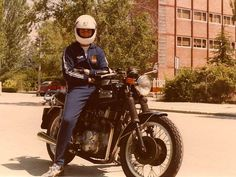 My good ol´ Triumph Trident 750 T-160, never had a bike like this one and I sold in a bad day :(  #Triumph  #motorcycles