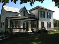 Lovely cottage home in Picton Ontario