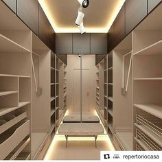 """322 curtidas, 5 comentários - Renata Menezes Interiores (@rm_interiores) no Instagram: """"#Repost @repertoriocasa (@get_repost) ・・・ Closet em cores sóbrias. Amei a iluminação! Autor…"""""""