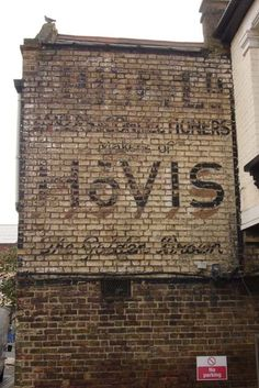 Brand: Hovis Product: Bread Location: Hewitt Road, London, N8