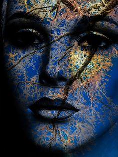 'The ice woman' von Gabi Hampe bei artflakes.com als Poster oder Kunstdruck $34.65