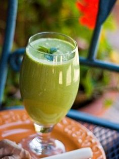 Raw green smoothies are a great thing that everybody should definitely have heard and know about.    Basically, a raw green smoothie consists of...
