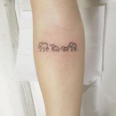 Tiny Tattoo Ideas for Major Inspiration - Elephant family tattoo! … Tiny Tattoo Ideas for Major Inspiration - Elephant family tattoo! Trendy Tattoos, New Tattoos, Girl Tattoos, Small Tattoos, Tattoos For Guys, Tatoos, Tiny Tattoo, Tattoos For Family, Flower Tattoos