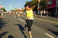 How to Run a Half Marathon (We're in the Big Leagues Now!) | fitbottomedgirls.com