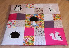 tapis d'éveil, tapis de parc en patchwork avec appliqué :hérisson, champignon, écureuil, lapin, hiboux : Puériculture par mamie-tartine
