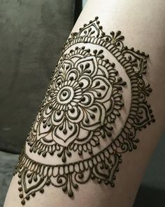 Ideas Tattoo Mandala Simple Hands For 2019 Henna Mehndi, Arte Mehndi, Leg Mehndi, Henna Ink, Henna Body Art, Mehendi, Legs Mehndi Design, Beautiful Henna Designs, Incredible Tattoos