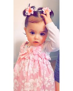 Cute Kids Pics, Cute Baby Girl Pictures, Cute Baby Names, Cute Girl Poses, Cute Little Baby, Pretty Baby, Baby Photos, Baby Love, Cute Babies