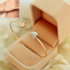Rose gold bracelet Super cute adjustable rose gold dainty bracelet. Jewelry Bracelets